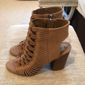 dv Women's Taupe Heels- 9